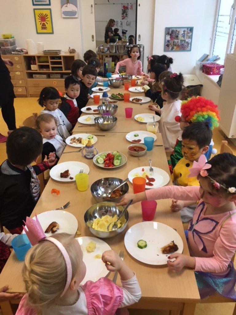 Fasching Im Deutsch Chinesischen Kindergarten Pedia